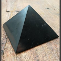Pyramide de shungite 5 cm de Catalogue shungite