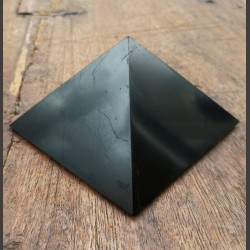 Pyramide de shungite 9cm de Catalogue shungite